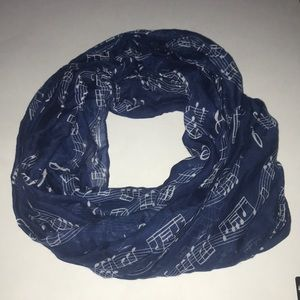 !!! FINAL PRICE!!!   NWOT Musical note scarf